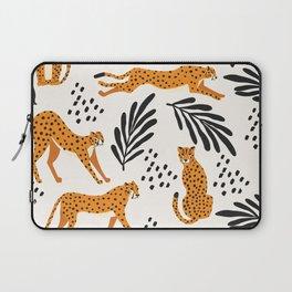 Cheetahs pattern on white Laptop Sleeve