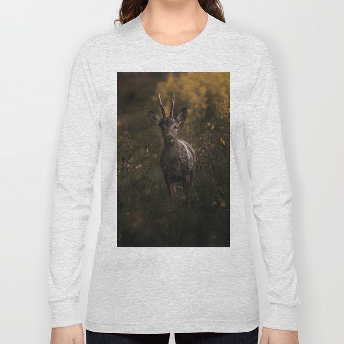 Deer in the wilderness Long Sleeve T-shirt