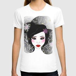 Beautiful Japanese girl decor T-shirt