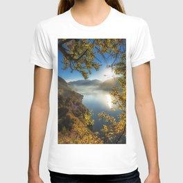 Lake Thun mountain lake autumn landscape mountains autumn Bernese Highlands Bernese Oberland Switzerland Thunersee T-shirt
