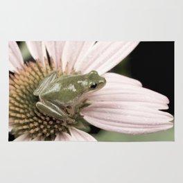Treefrog on flower Rug