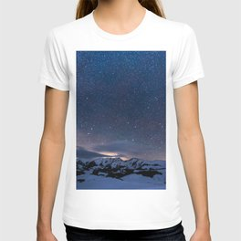 Arctic Night Sky With Bright Stars Blue And Orange Sky T-shirt