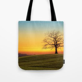 Lonely Tree On Hillside At Sunset Ultra HD Tote Bag
