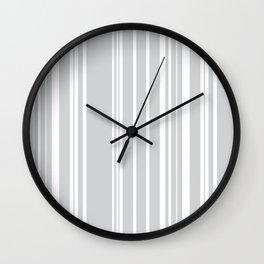 Lineas Claras Wall Clock