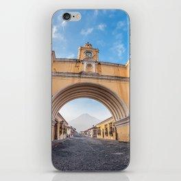 Arco de Santa Catalina, Antigua Guatemala iPhone Skin