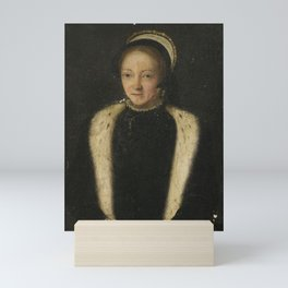 French School circa 1550 PORTRAIT OF A LADY, HALF LENGTH, WITH A FUR-TRIMMED COLLAR Mini Art Print
