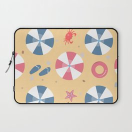 Summer Seamless Pattern. Beach with umbrellas and other summer elements Laptop Sleeve