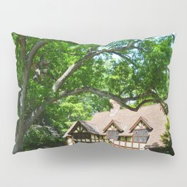 Haus with Tree Pillow Sham