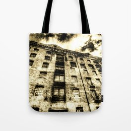 Metropolitan Wharf London Vintage Tote Bag