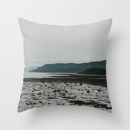 St-Lawrence River Throw Pillow
