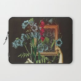 Florales Portrait Disaster Laptop Sleeve