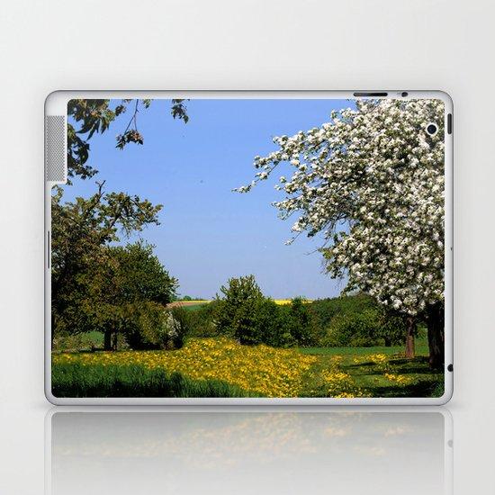 Frühlingslandschaft  Laptop & iPad Skin