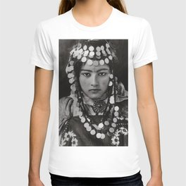 Ouled Naïl tribe Algerian Girl, 1905 with tattoos and traditional jewelry black and white photograph T-shirt