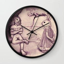 la liebre y el león Wall Clock