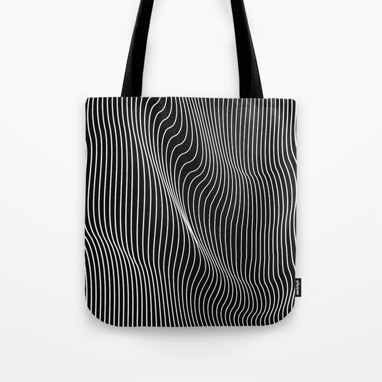 15d837d87a9d minimal-curves-black-bags.jpg