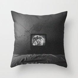 Vaporwave kiss on tv Throw Pillow