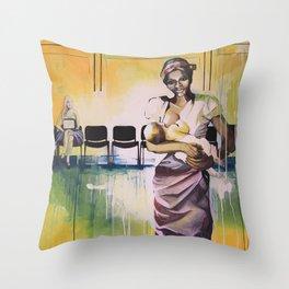 Les demoiselles avec un enfant Throw Pillow