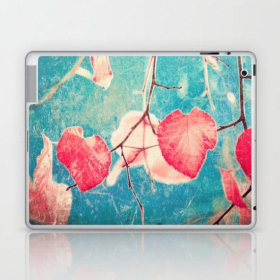 Autumn Hea(u)rts - Textured photography, pinks leafs in blue sky  Laptop & iPad Skin