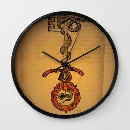 misterio visual 21: la llave del todo Wall Clock