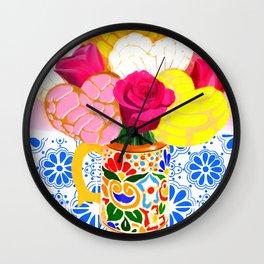 Cafe con conchas Wall Clock