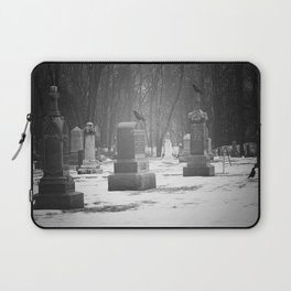 Vistits with the Crow Laptop Sleeve