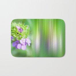 VERDE - Abstract green flower Bath Mat