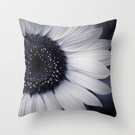 monocromatico Throw Pillow