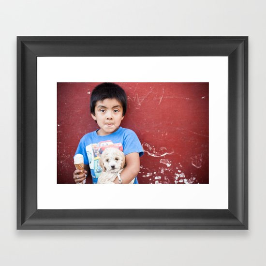 Helado y Chuchito Framed Art Print