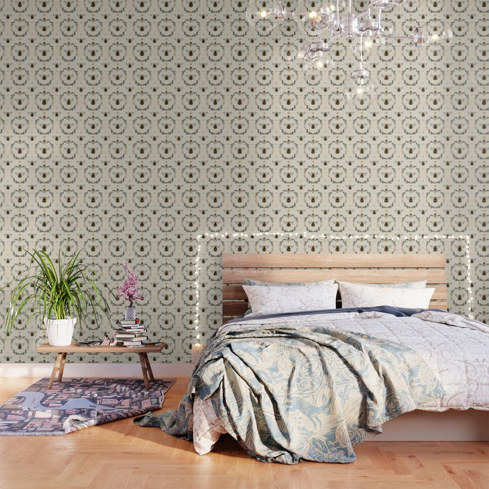 Ode to the Bumblebee (in cream) Wallpaper