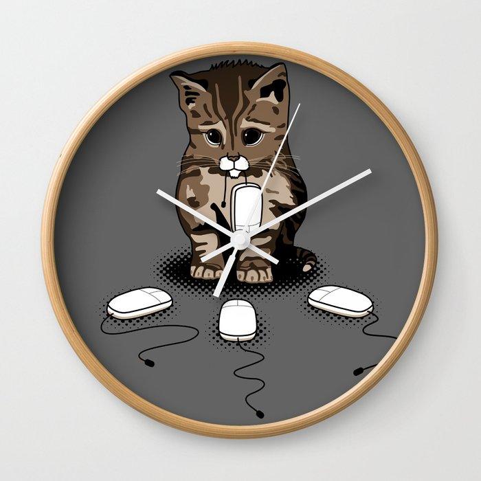 Eyes of cat Wall Clock