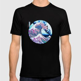 The Great Wave off Kanagawa With Mount Fuji Eruption in the background T-shirt