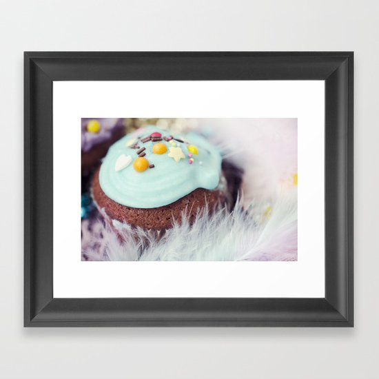 Cupcake love Framed Art Print