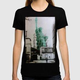 Statue of Liberty construction T-shirt