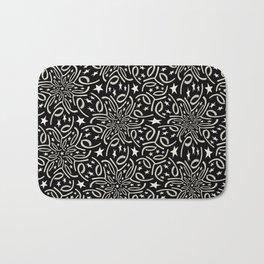 SHANTUNG black and white pattern of lacy starburst Bath Mat