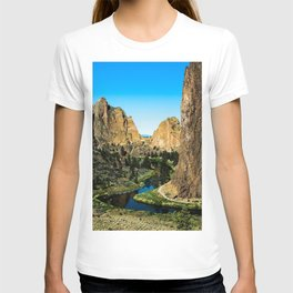Rocks + River // Hiking Mountains Colorado Scenic View Landscape Photography Forest Backpacking Vibe T-shirt