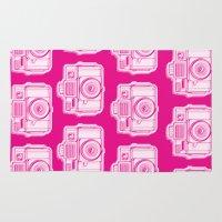 I Still Shoot Film Holga Logo - Reversed Pink Rug