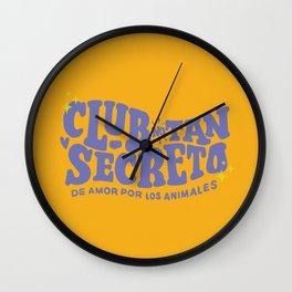 Club no tan secreto Wall Clock
