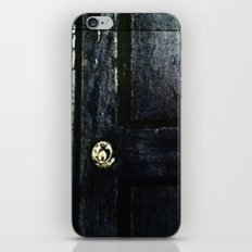 Doctor Who: Who has the Tardis key? iPhone & iPod Skin