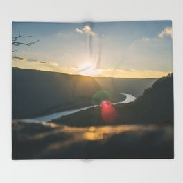 Signal Point Sunset Throw Blanket
