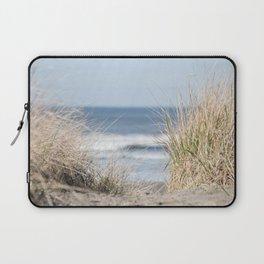 The Beach Beckons    Path To Ocean Shore Laptop Sleeve