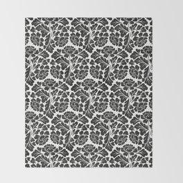 William Morris style Black & white pattern Throw Blanket
