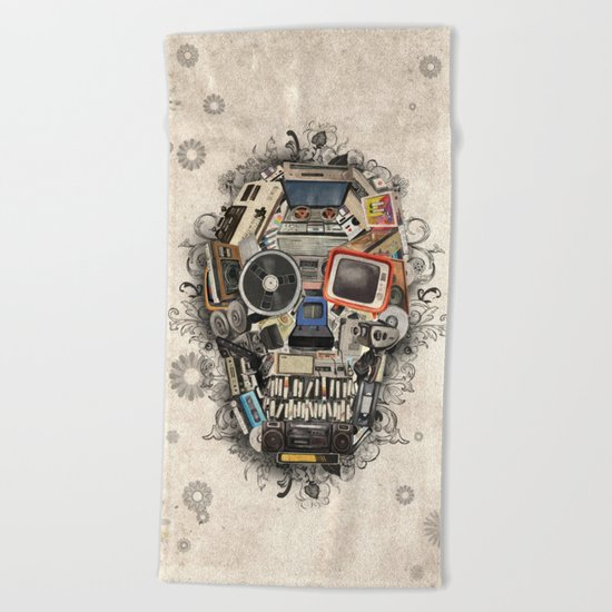 retro tech skull 2 Beach Towel