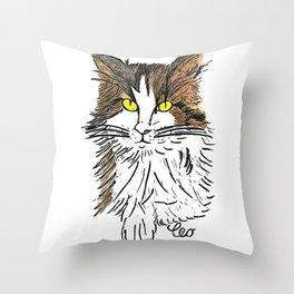 léo Throw Pillow
