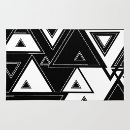Triangle black and white Rug