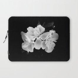 geranium in bw Laptop Sleeve