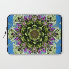 Intricate floral kaleidoscope - Vebena, Dichondra leaves with blue sky Laptop Sleeve