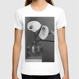 four lily in fish bowl T-shirt