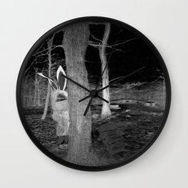 Die Schraube und der Bauer Wall Clock