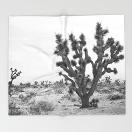 joshua tree bw Throw Blanket