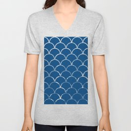 Textured large scallop pattern in snorkel blue Unisex V-Neck